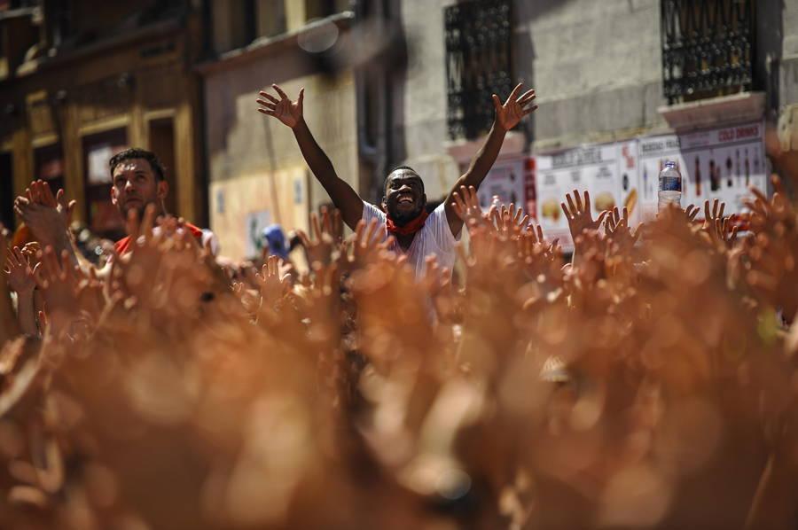Crowd Pamplona Celebrating Hands