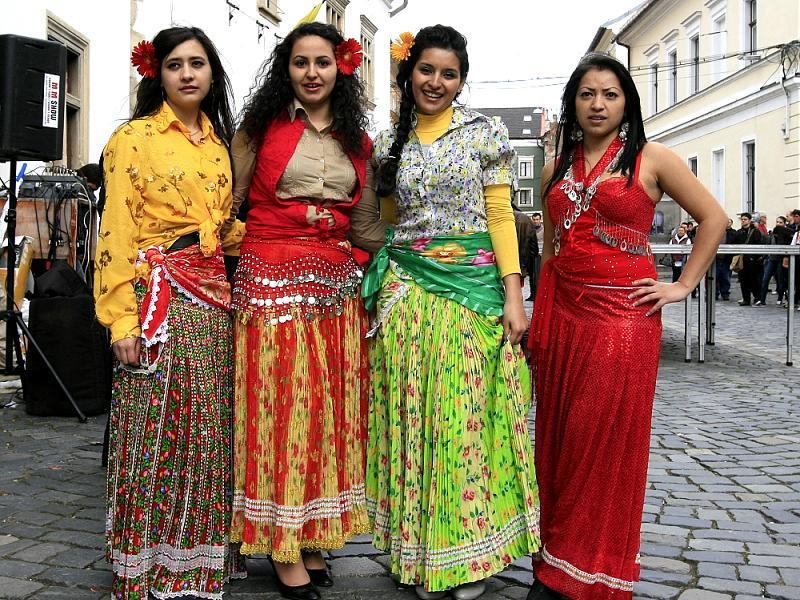 the history of gypsies roma Where do gypsies come from based on dna  what's the history of roma (gypsies) where do 'travelers' or 'gypsies' get their money from.