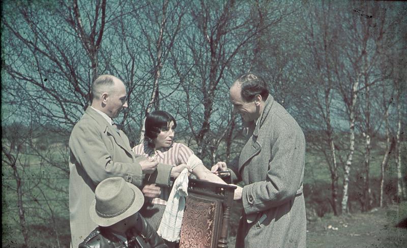 Nazi Shrink With Gypsy