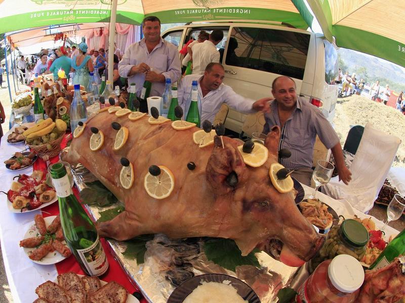 Gypsies Roast Pig