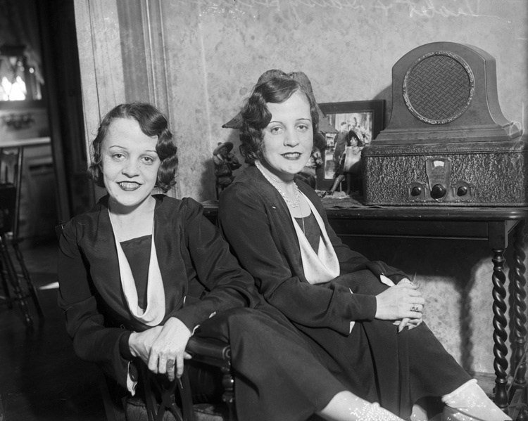 hilton conjoined sisters radio