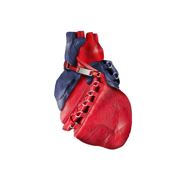 sculptures balenciaga heart