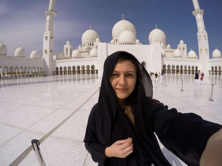 Best Travel Selfies Abu Dhabi