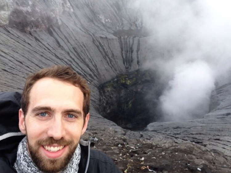 Best Travel Selfies Mount