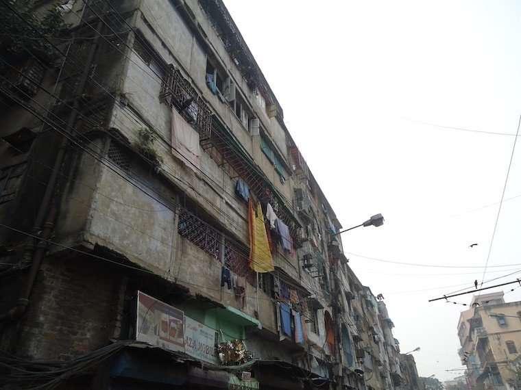 Kolkata Streets Building Clothes