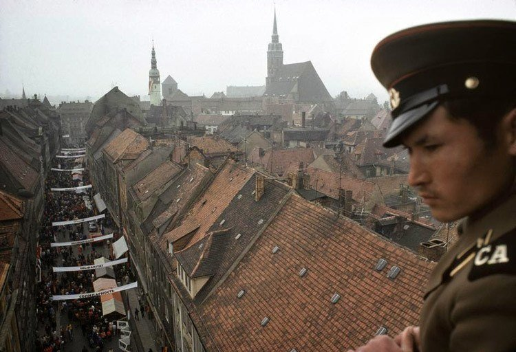 Soldier Rooftops
