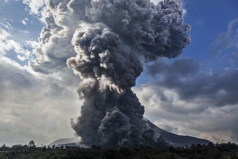 Summer Weather 2015 Indonesia Mount Sinabung