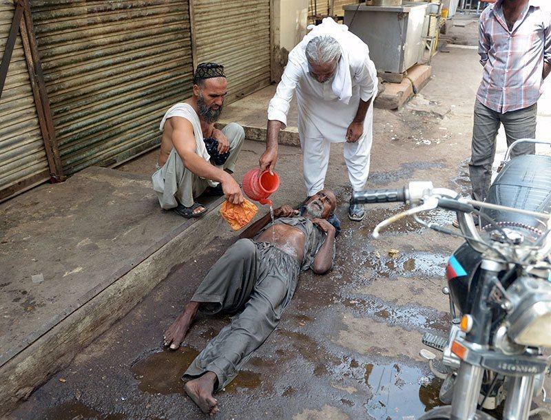 Summer Weather 2015 Pakistan Heat Wave Victim