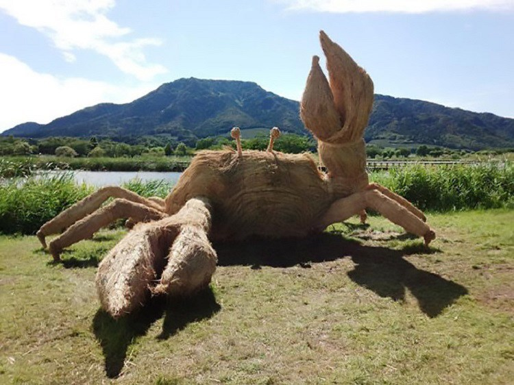 Japanese Straw Sculptures Crab