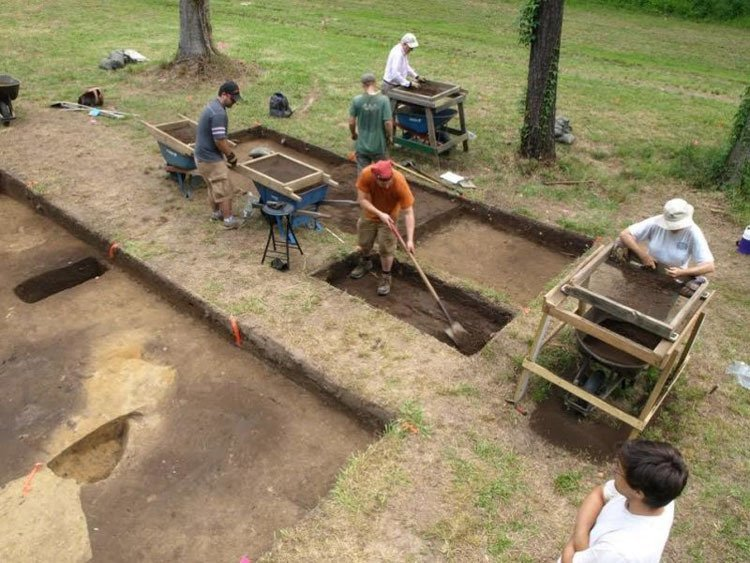New Roanoke Discovery Site Dig