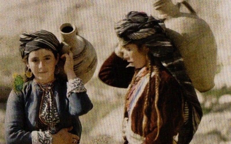 Kurds Iraq Girls Water