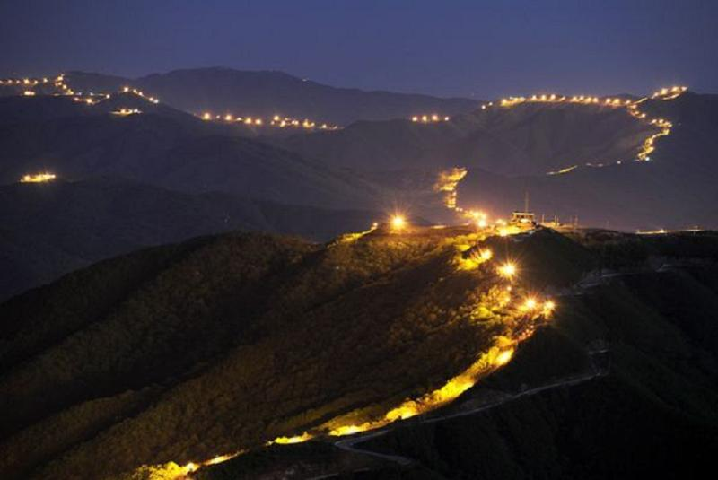Aerial Borders Dmz Lights