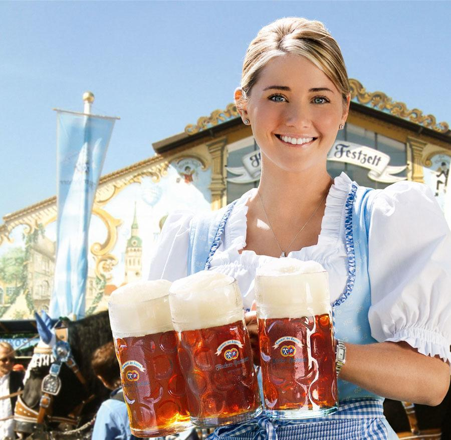 Historic Oktoberfest Beer Girl