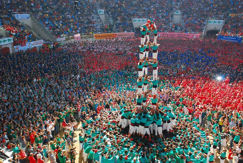 Incredible Images Of Human Towers In Barcelona