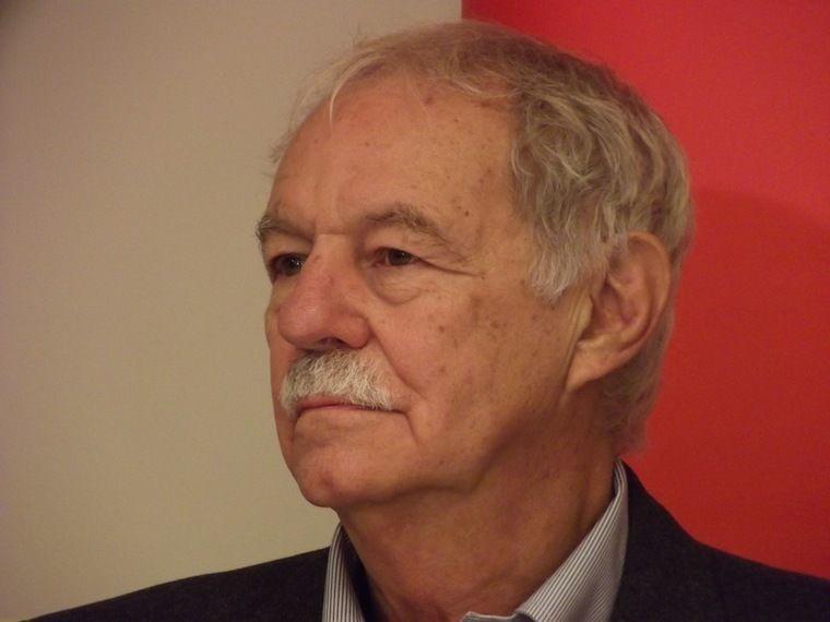 Spanish Writers Eduardo Mendoza