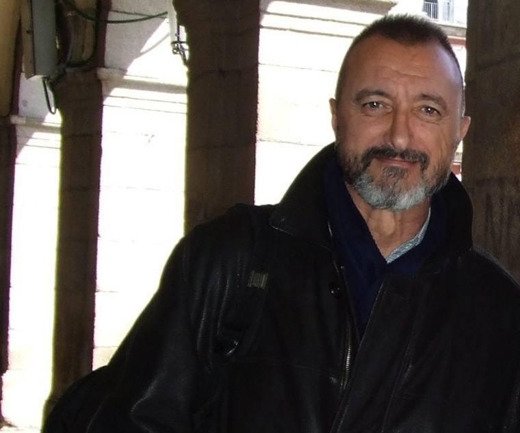 Spanish Writers Pérez Reverte