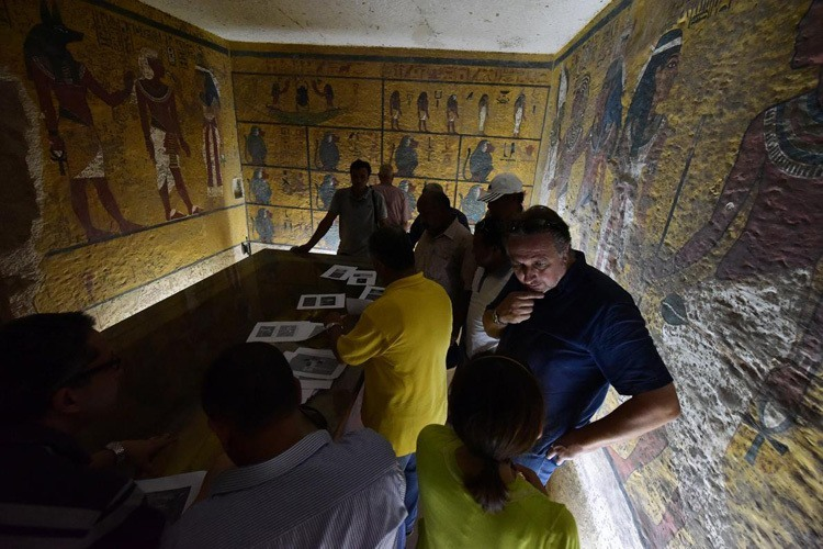 Tut Hidden Chamber Painting