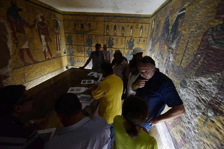 The Curse Of King Tuts Tomb Torrent: Archaeologist Believes He Has Uncovered A Wealth Of