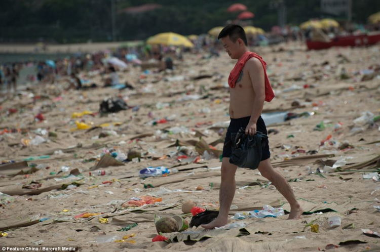 Beach Littering In China