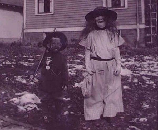 Creepy Vintage Halloween Costumes Hair