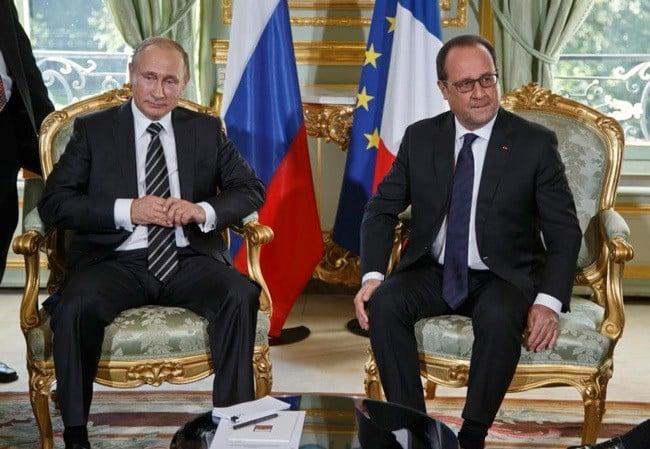 Putin Meets Hollande