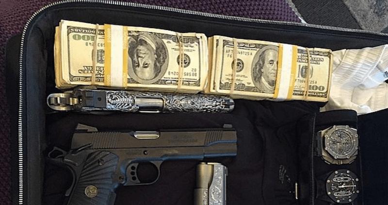 10c4befe The Crazy Narco Instagram Photos Of Mexico's Drug Cartels