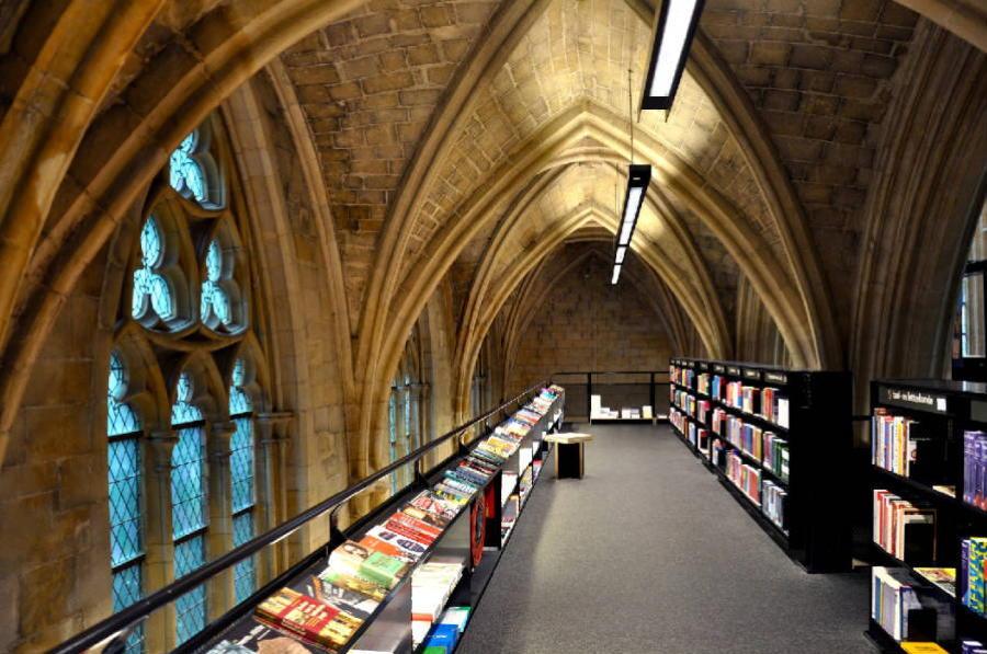 Coolest Bookstores Dominicanen Interior