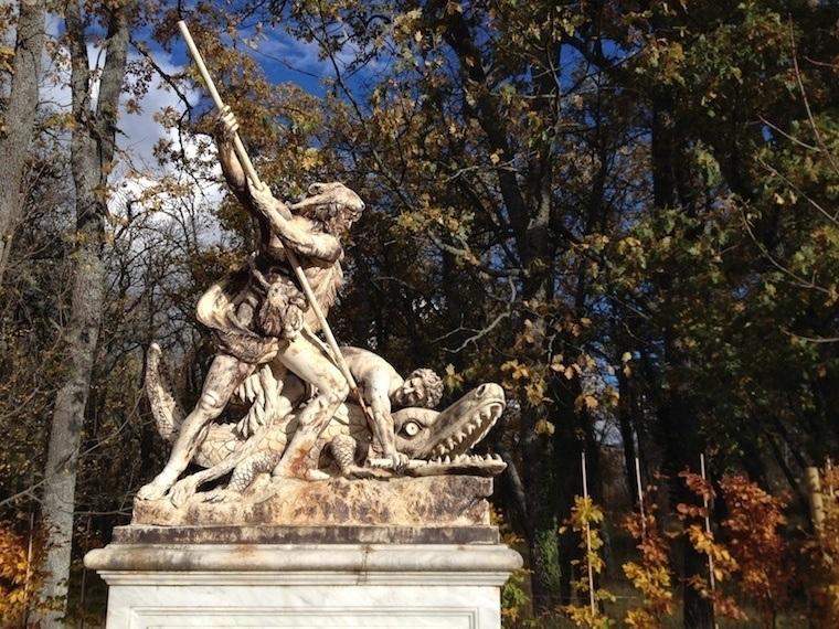 Fall Granja Statue Cocodrile