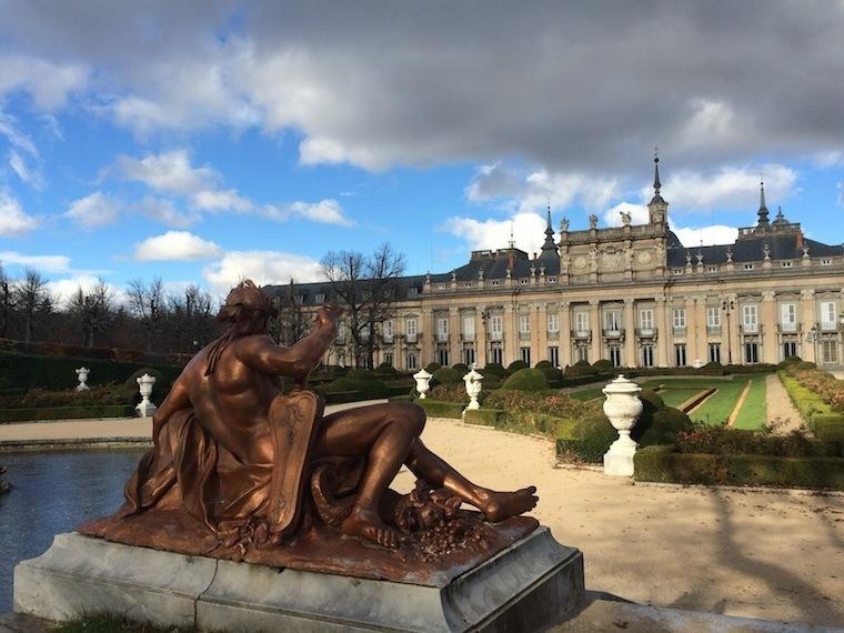 Fall Granja Statue Palace