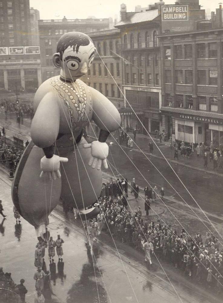 Vintage Macys Thanksgiving Day Parade Photos Cantor