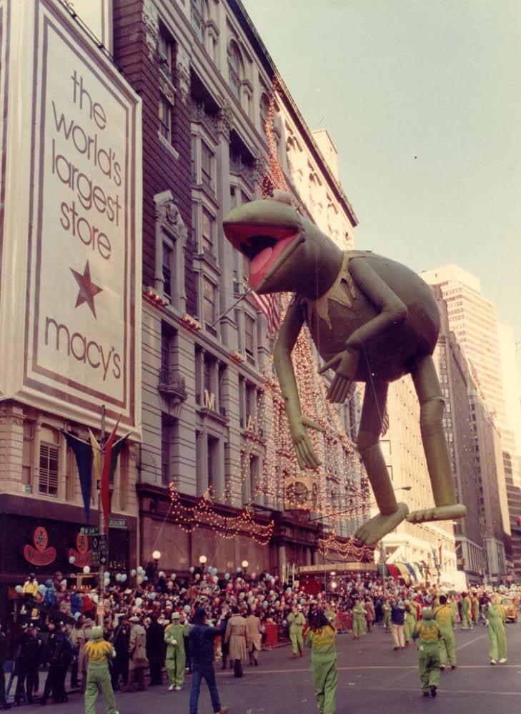 Vintage Macys Thanksgiving Day Parade Photos Kermit