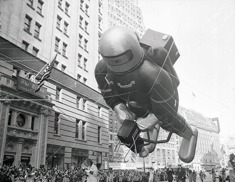 vintage macys thanksgiving day parade photos spaceman