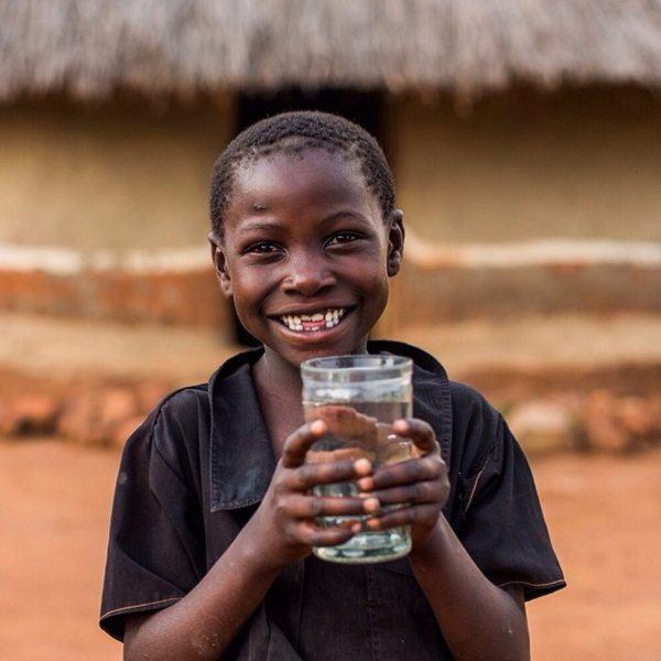 Kid Clean Water Smile