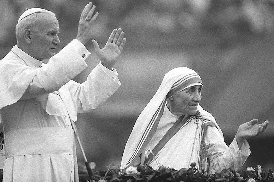 Mother Theresa With The Pope