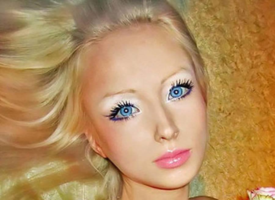 Human Barbies Closeup