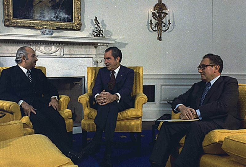 Vietnam Peace Kissinger Nixon