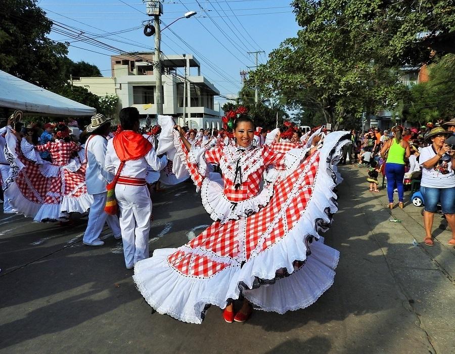 Barranquilla Carnival 2016 Dancing Cumbia
