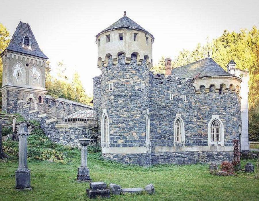 Czech Castle Kunzov