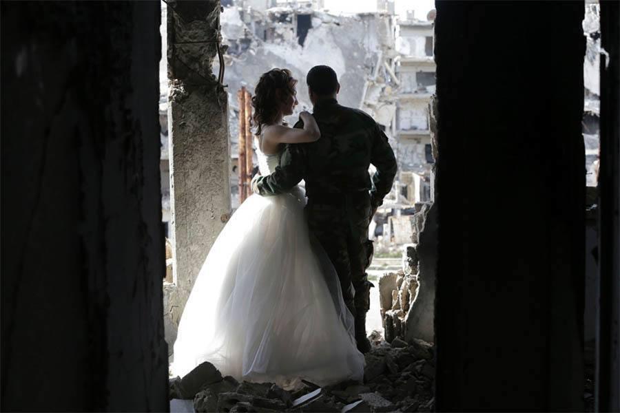 Syria Wedding Behind