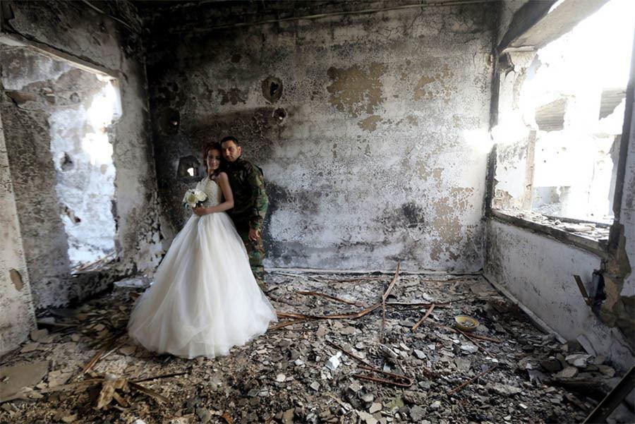 Syria Wedding Rubble