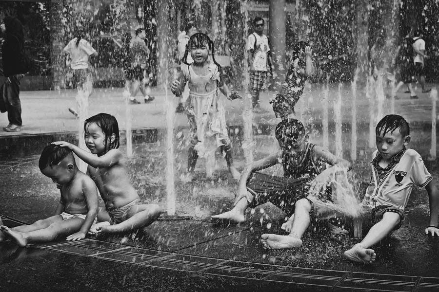 Best Street Photography Kids In Sprinkler