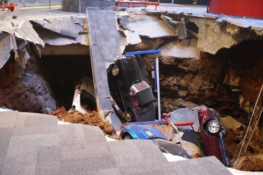 National Corvette Museum >> The Corvette Museum Sinkhole Watch 5 Million Of Damage In Action
