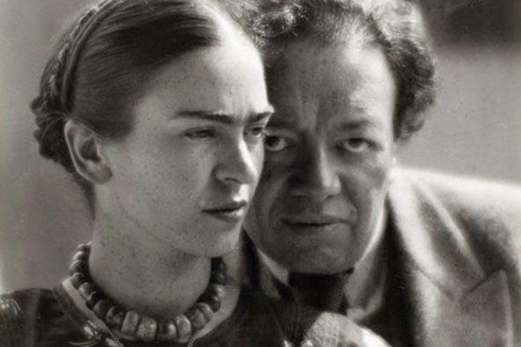 Frida Kahlo Life Diego Portrait Pose