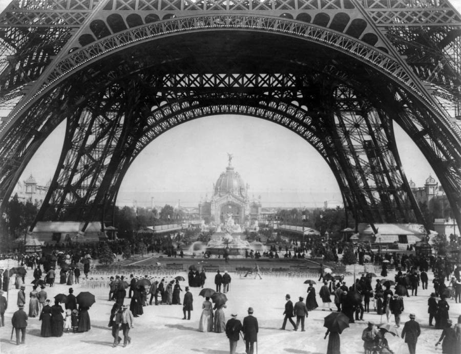 Exposition 1889 Crowd