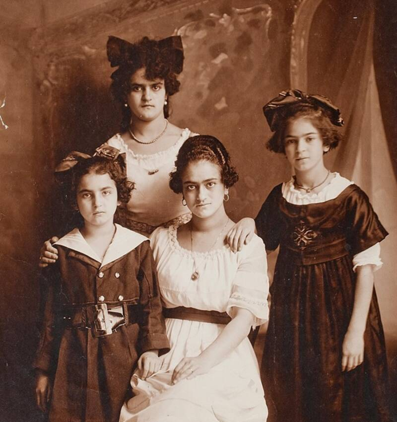 Frida And Her Sisters