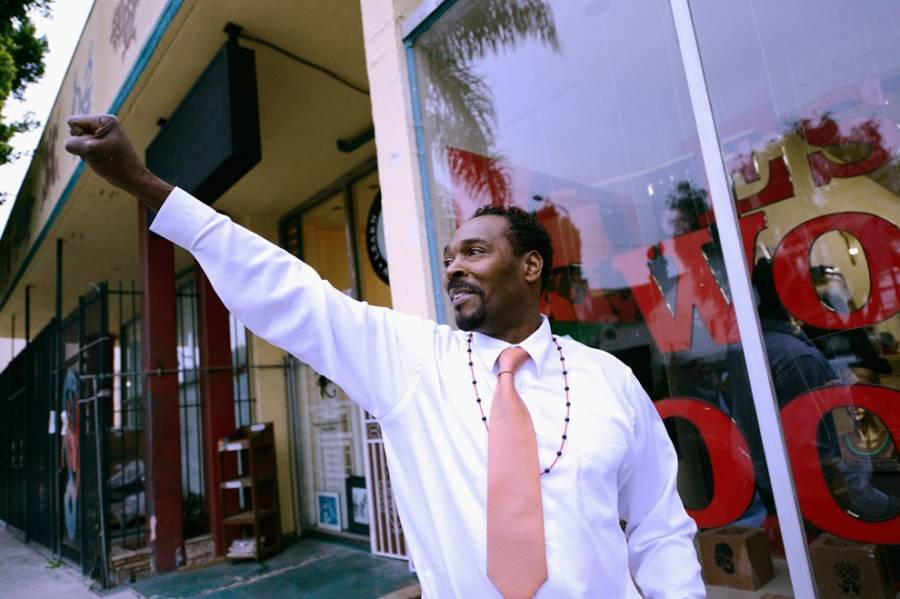 Rodney King Salutes Crowd