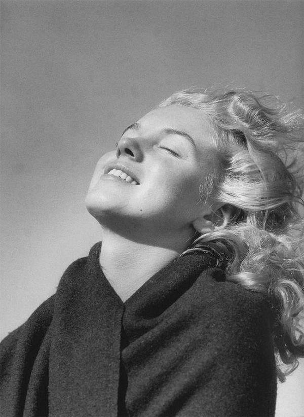 Young Marilyn Monroe 2