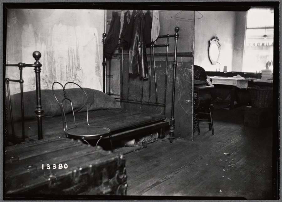 Bedroom Tenement Building