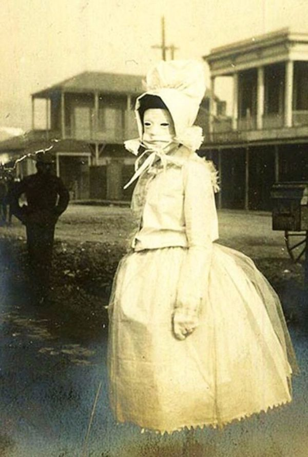Nightmare Inducing Vintage Photos We Cant Explain