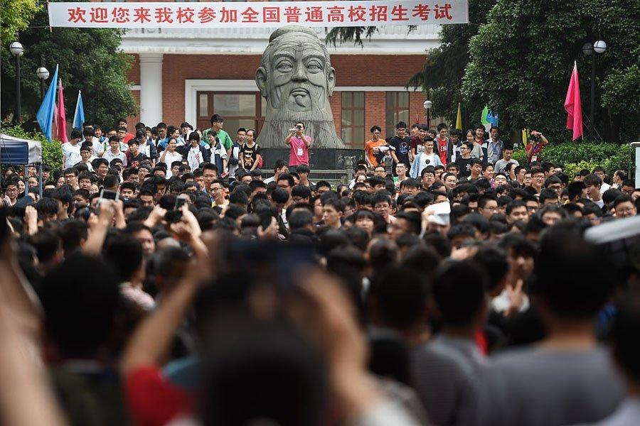 Students Pray